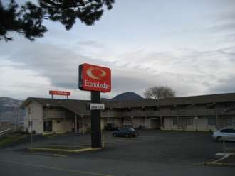 econolodge kamloops exterior view